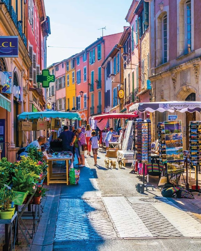 Comment sonoriser une rue commerçante, un marché de noël ou une foire en extérieur
