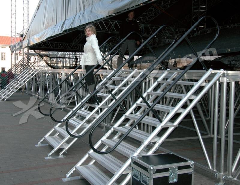 Stage dex stairs 040 marche pour praticable hauteur 40cm for Hauteur marche escalier standard